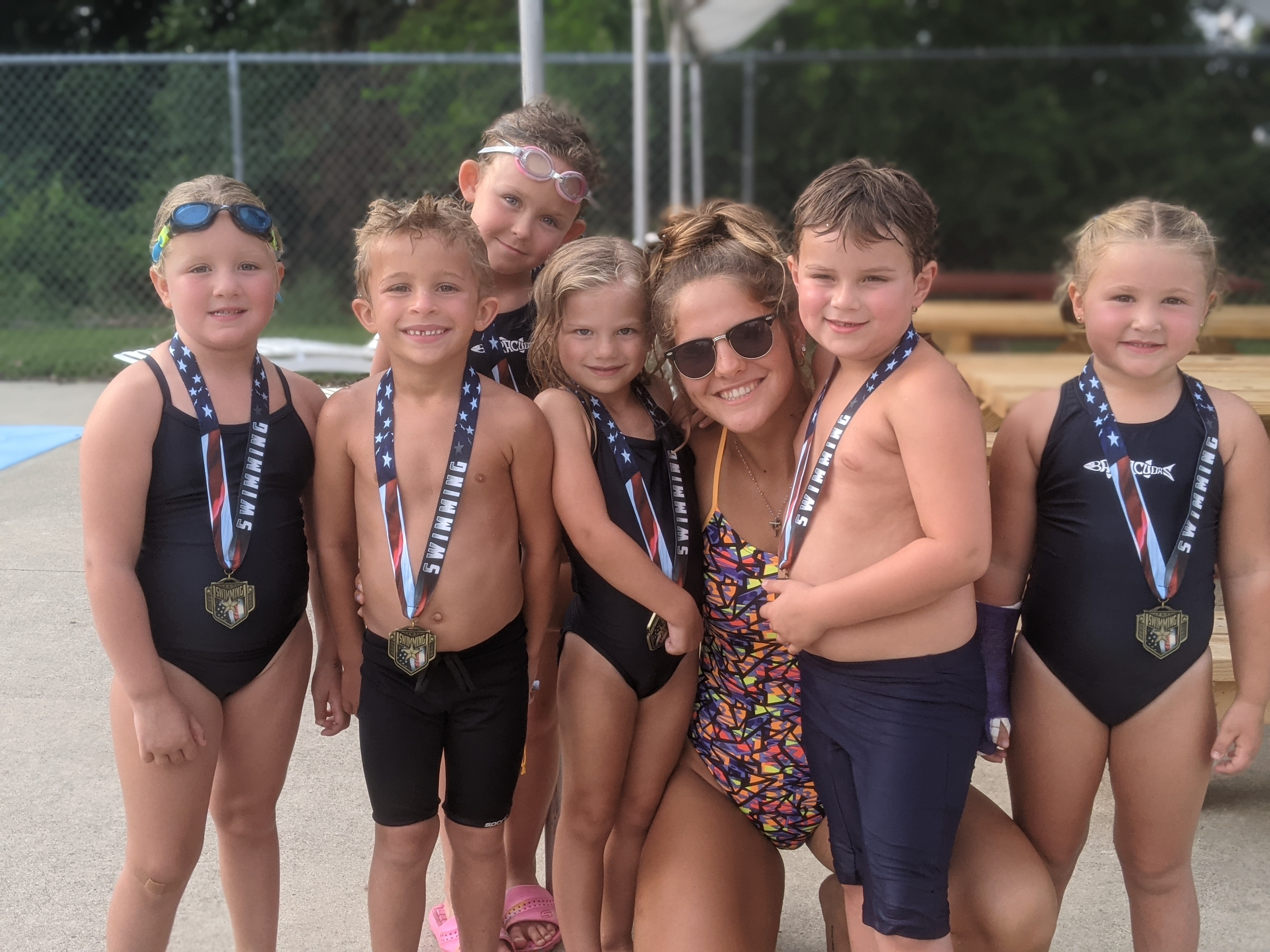 Congrats to our newest 6 & Under swimmers for swimming across the pool by themselves this year!!